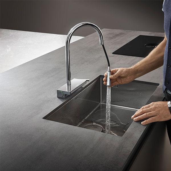 Hansgrohe снова удивил: оцените кухонный смеситель с душем для овощей и фруктов