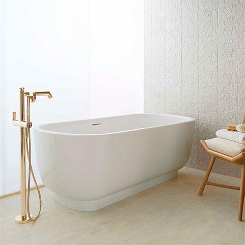 Выбираем смеситель для ванны: трендовые модели 2020 года